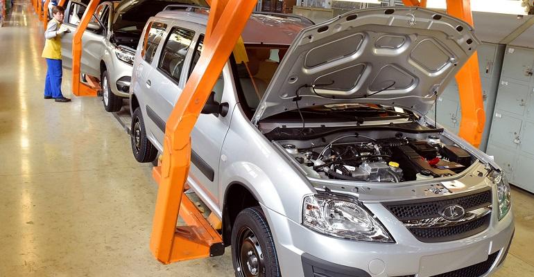 Объявлена цена на Lada Largus с отечественным двигателем