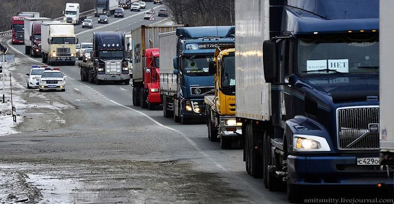 Руководитель Минтранса объявил онеобходимости поднятия тарифов для дальнобойщиков всистеме «Платон»